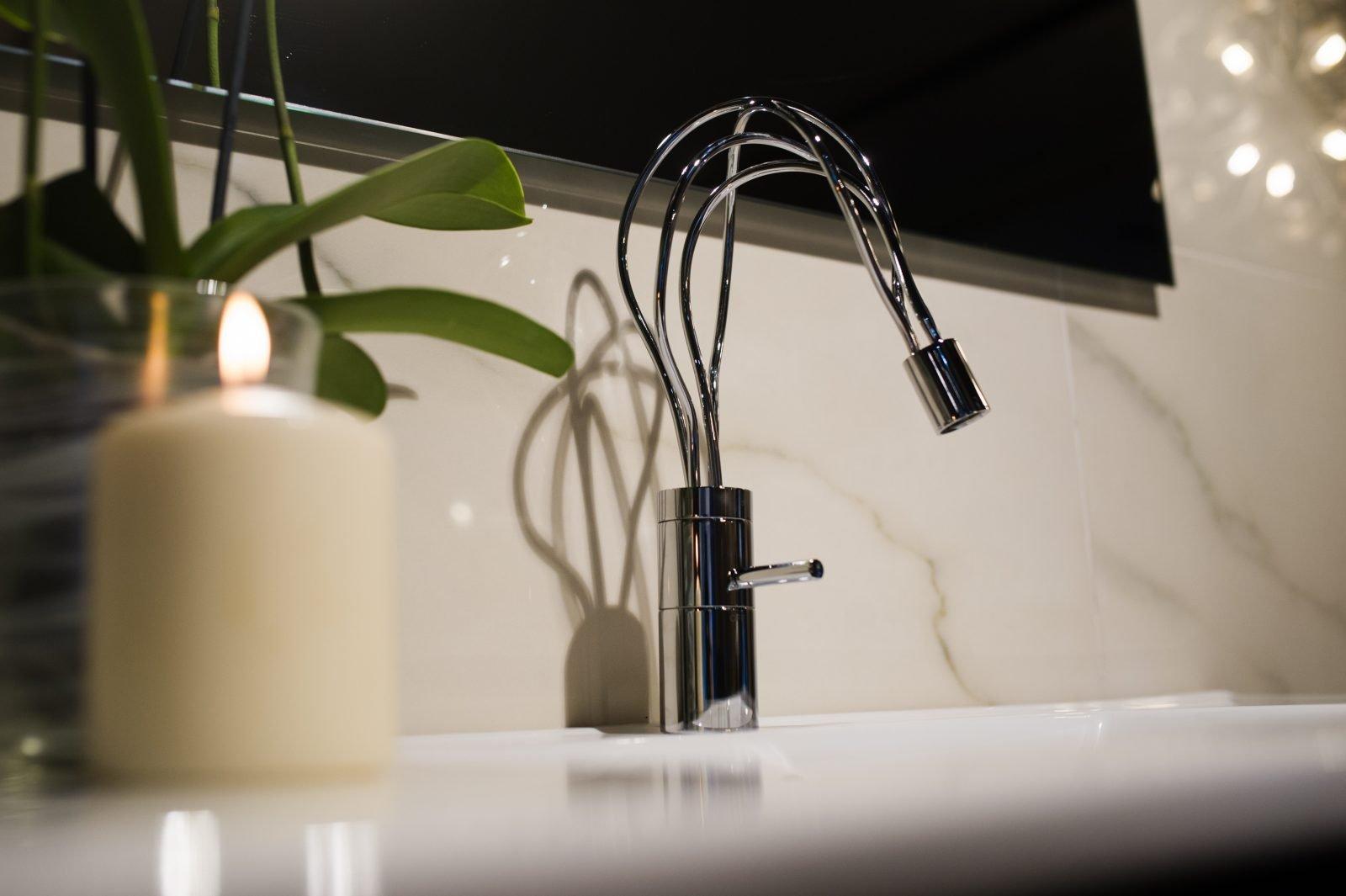 BP07 - Poseidon wash hand basin tap