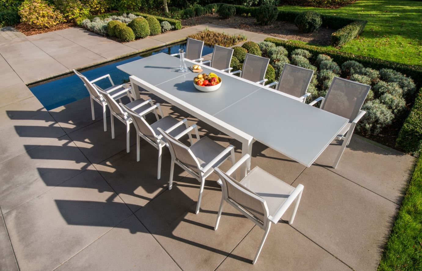 Jati Kebon - Outdoor extendable tables and chairs
