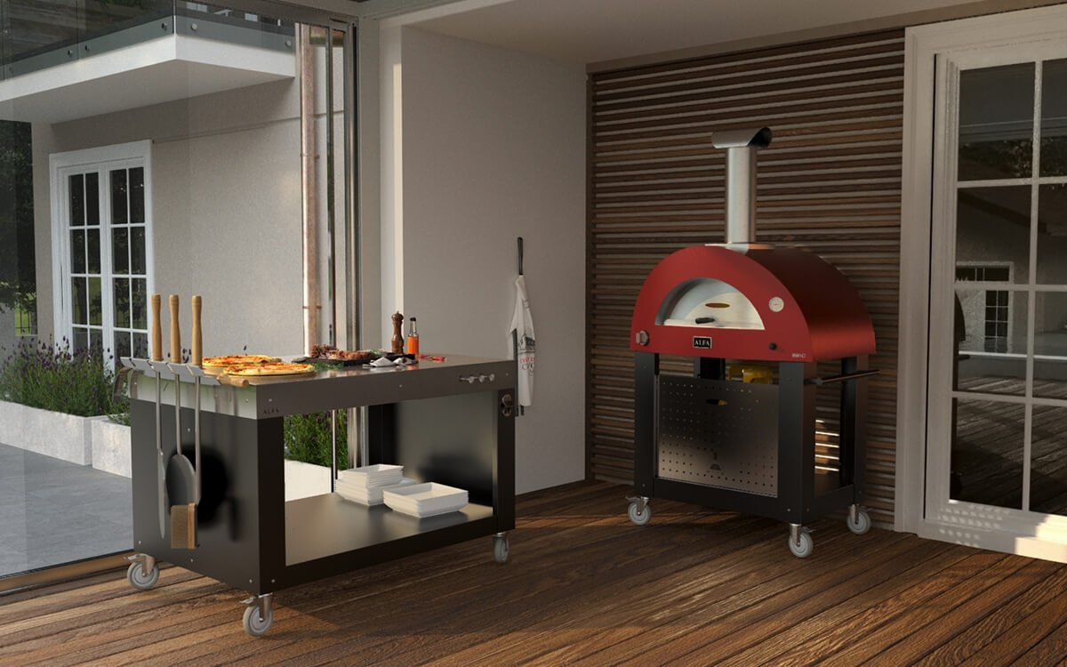 Brio Pizza oven and Outdoor kitchen