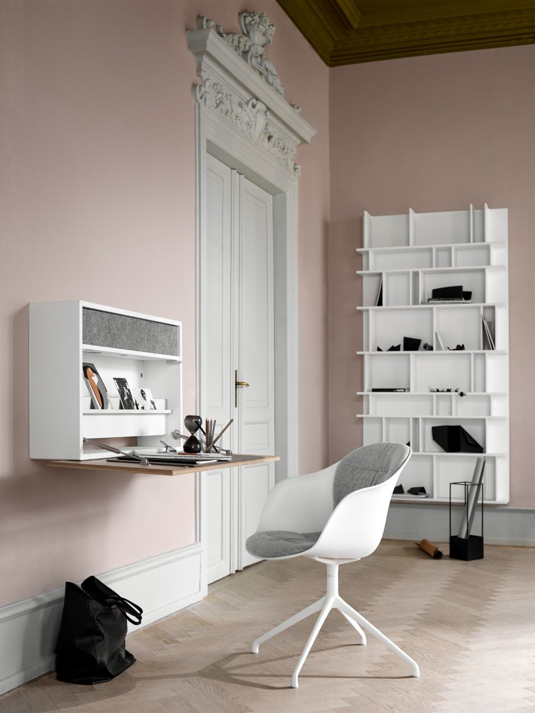 Clever, space-saving home office solutions